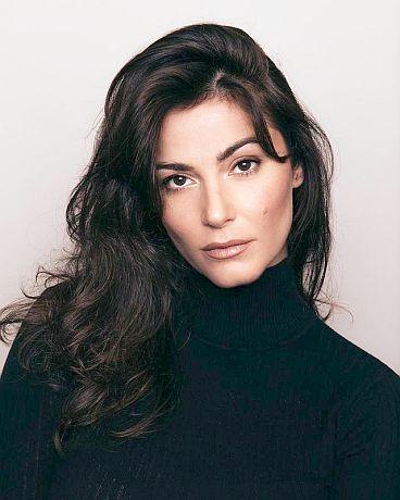 Actress Elysia Rotaru Image